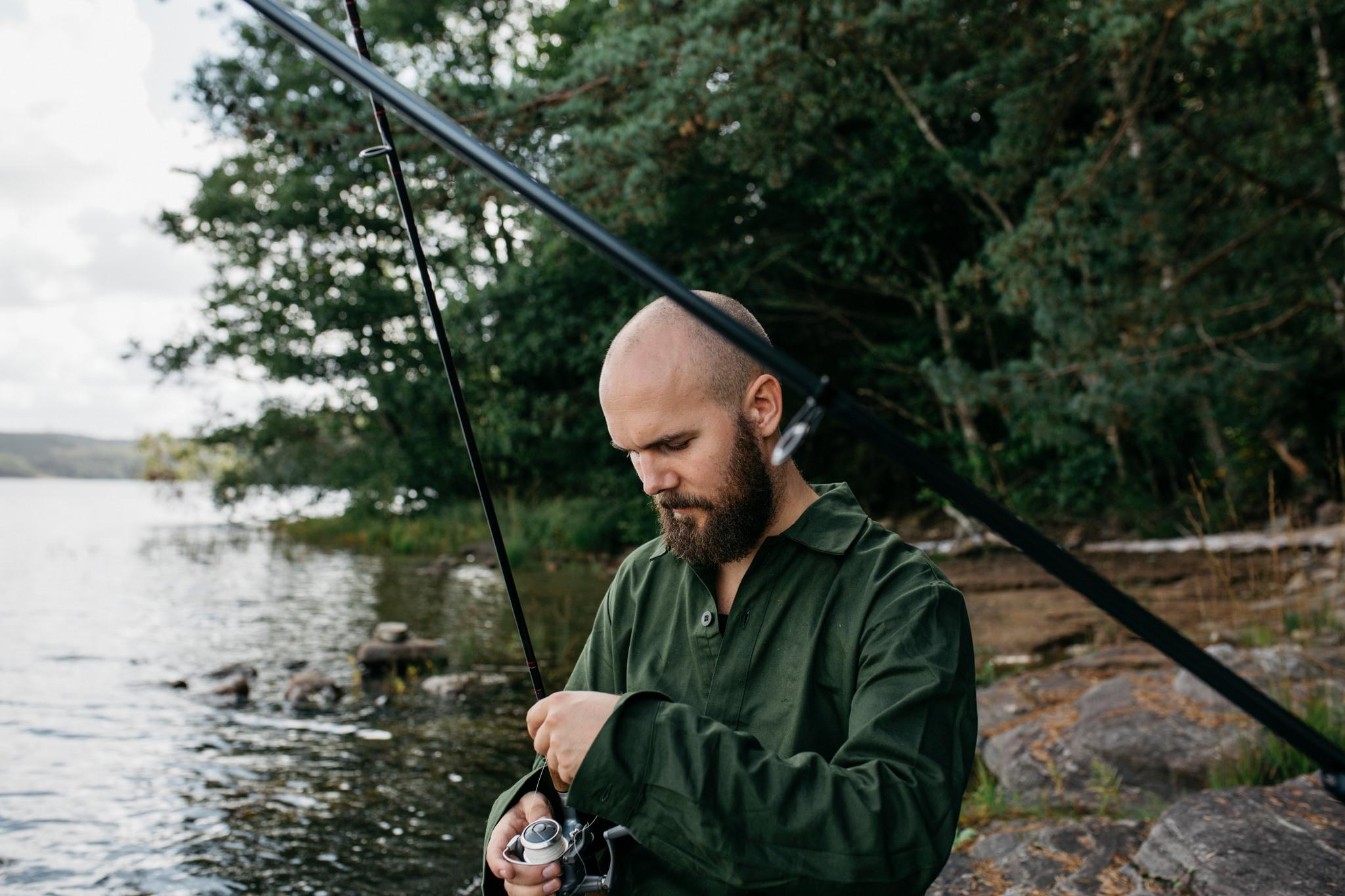 Man med fiskespö